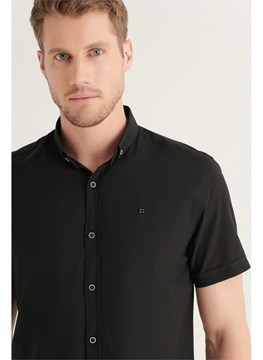 Avva Erkek Düz Düğmeli Yaka Slim Fit Kısa Kol Vual Gömlek A11B2210 Siyah